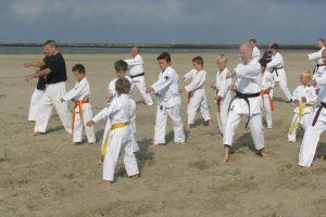 Karate op het strand